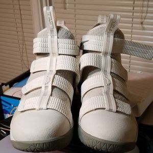 Like new lebron soldiers